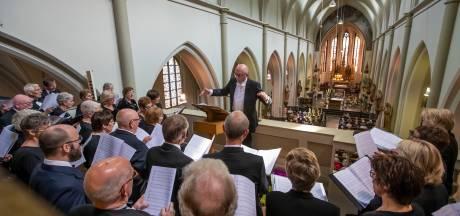 Muzikale wederopstanding in mis van Gemertse pater Matthias