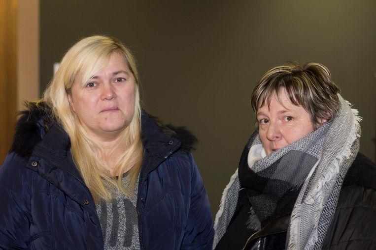 Nabestaande Ann Van de Meersche (links), bijgestaan door vriendin Ann Ruysseveldt.