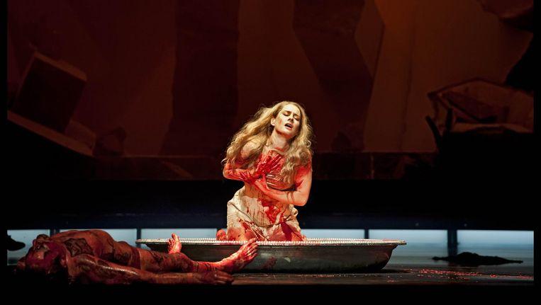 Geen kaarten bemachtigd voor opera Salome? Op woensdag 21 juni kun je de opera gratis in Park Frankendael op groot scherm bekijken (zie midzomernachttips). Beeld Nationale Opera & Ballet