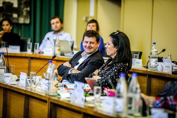 John Crombez in de gemeenteraad.