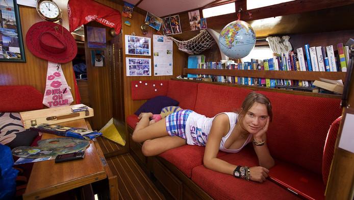Laura in haar zeilboot