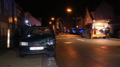 Buurtbewoner klist bestuurder die wegvlucht na ongeval met gewonde
