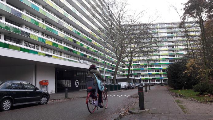 In de L-flat aan de Laan van Vollenhove in Zeist wonen 1500 mensen.