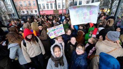 150 Antwerpse scholieren spijbelen (en dansen) voor beter klimaat