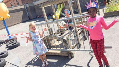 Inbrekers stelen nadarhekken voor social distancing in basisschool KBO Sint-Walburga