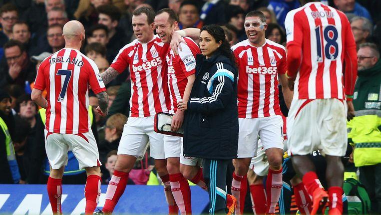 Charlie Adam (derde van links) wordt na zijn doelpunt gefeliciteerd door ploeggenoten. Beeld getty