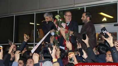 """Georges Leekens acclimatiseert aan nieuwe uitdaging in Iran: """"Ontvangst was zoals Napels maal drie"""""""