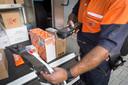 Bezorging van pakketten post bij PostNL.