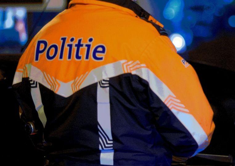 De politie trok het rijbewijs van de twintiger in voor 15 dagen.