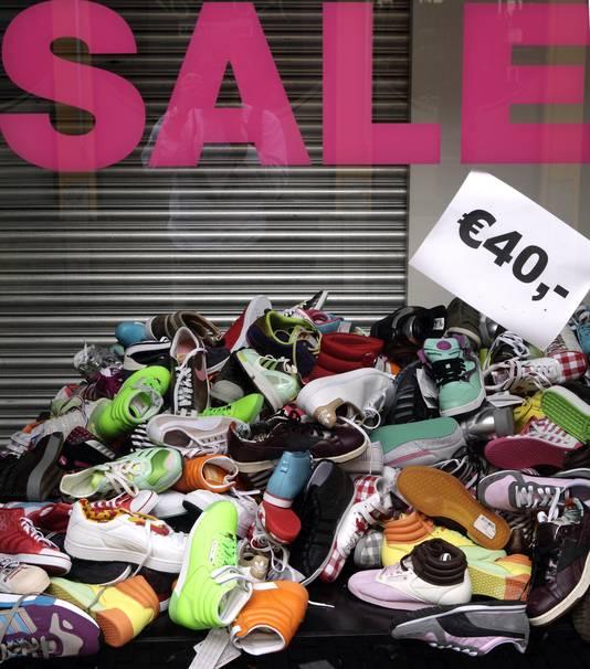 f76670afa93 Sneaker verkoopt nog wel | Economie | AD.nl