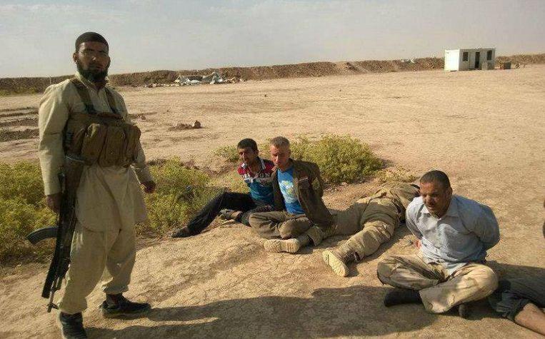 null Beeld Aboe Hamza de Tunesiër met gijzelaars.