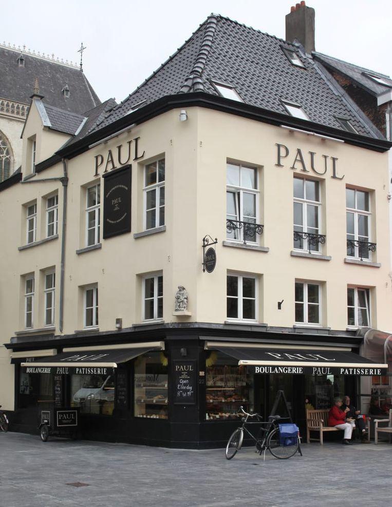Bakkerij PAUL kwam in 2010 al eens naar de Groenplaats in Antwerpen, maar sloot al na twee jaar de deuren.