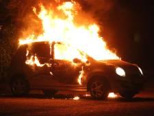 Eigenaar sliep terwijl haar auto volledig uitbrandde