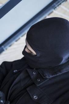 Inbrekers proberen woning aan Transvaal in Sleeuwijk binnen te komen