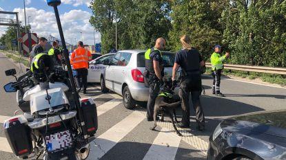 Politie rijdt opníeuw wagen klem op Antwerpse Ring en opníeuw is er drugs in het spel