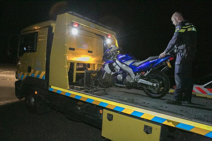 De motor van de man raakte beschadigd en is door een berger opgehaald.