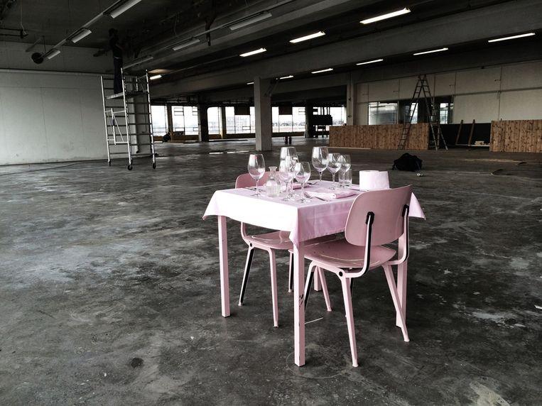 Het restaurant tijdens de opbouwfase. Beeld