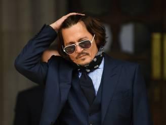 """De ster van Johnny Depp was al tanende voor zijn proces: """"Er is niemand in zijn bijzijn die niet betaald wordt"""""""
