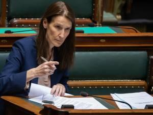 """Report des prêts hypothécaires, sanctions administratives à 250 euros: le """"superkern"""" valide 9 mesures"""