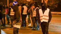 """Gouverneur: """"Relschoppers Feluy zijn geen 'gele hesjes', maar amokmakers uit Brussel die denken dat ze in videospel zitten"""""""