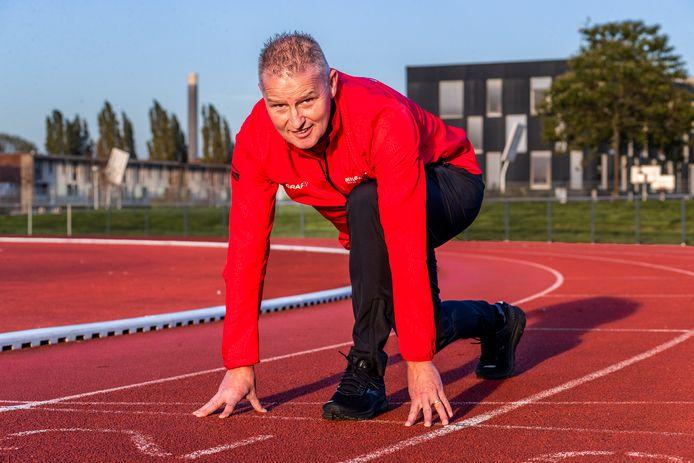 Bert Eskens op de atletiekbaan in Leidsche Rijn.