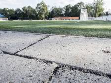 Geldboete geëist tegen sportbedrijf Enschede vanwege rubberkorrels