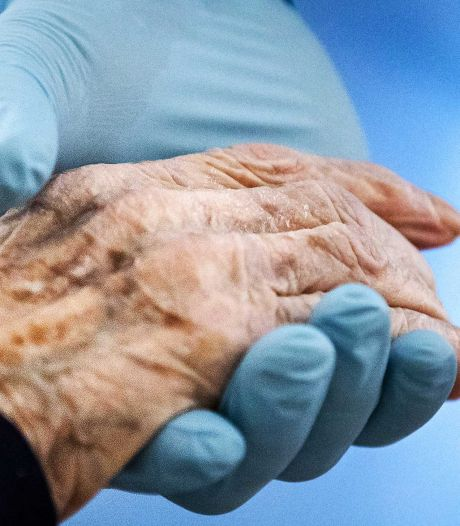 Horecamedewerkers steken handen uit de mouwen bij zorgaanbieder Present