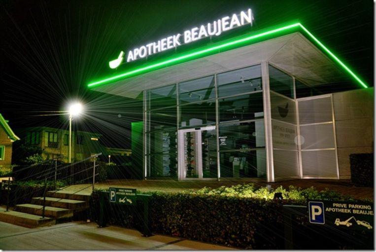Apotheek Beaujean werd helemaal vernieuwd, tot de LED-verlichting toe.