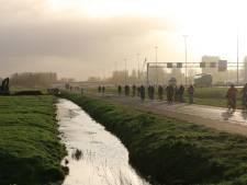 Vlaardingse Broekpolderweg gaat zeven weken dicht, fietsers krijgen pad