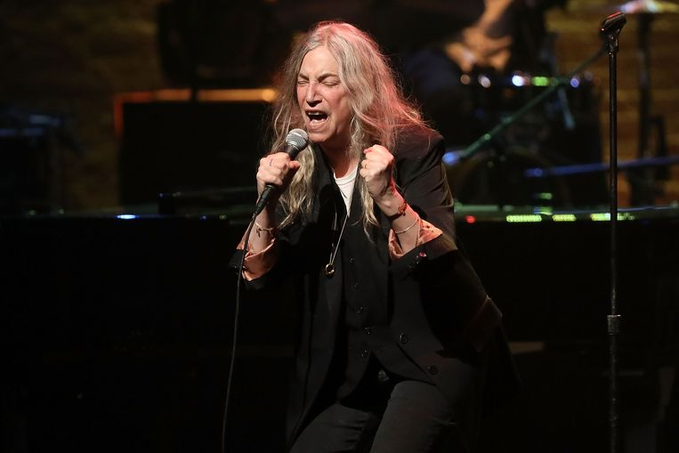 Patti Smith treedt op tijdens 'A Great Night in Harlem' in het Apollo Theater in New York City.  Beeld Taylor Hill / Getty Images