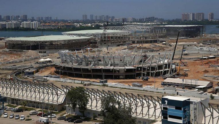 De bouw van het Olympisch stadion in Rio de Janeiro. Beeld EPA