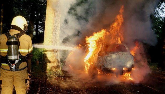 Autobrand in Haaren.