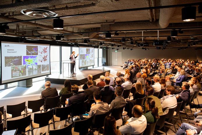 The Hague Conference Centre richt zich vooral op congressen met tussen de 200 en 650 deelnemers.