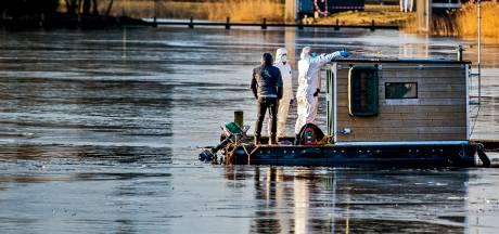 Politie neemt in Orlando-onderzoek pontonbootje Ypenburger in beslag