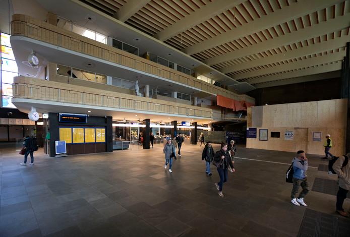 Archieffoto. Werkzaamheden voor de nieuwe winkel in de stationshal Eindhoven