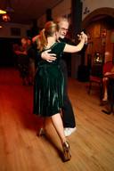 Rob Lut danst de tango.