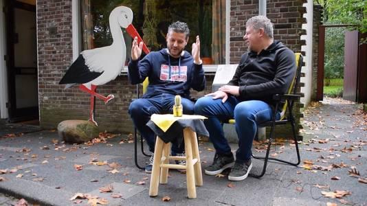 Oer-supporter Bjorn Courbois lag 'strak van het lachen' na de overwinning van Vitesse op VVV Venlo.