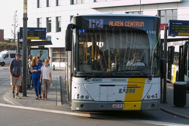 De feiten speelden zich af op een bus van Hasselt richting Beringen