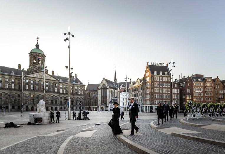 Koning Willem-Alexander en koningin Maxima tijdens de Nationale Dodenherdenking. Beeld ANP