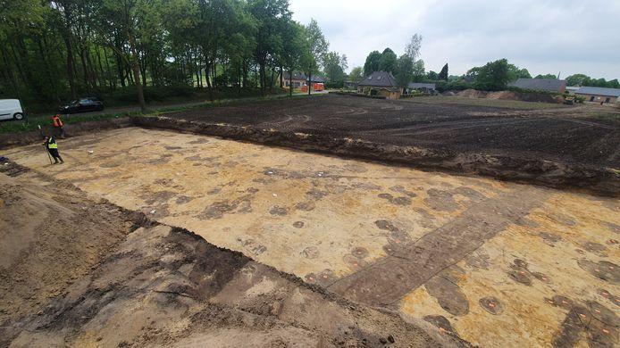 WINTELRE - Opgravingen in de omgeving van de Groenstraat, waar vier Ruimte voor Ruimte-woningen gebouwd gaan worden.