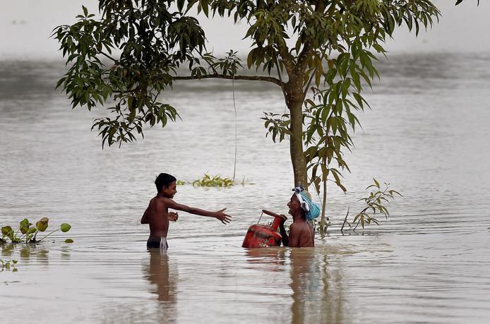 Le district de Morigaon à Assam en Inde est totalement sous eau