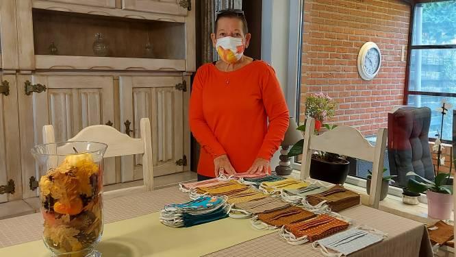 """Christiane maakt al sinds maart gratis mondmaskers: """"Ik zit nu bijna aan 1.600 stuks"""""""
