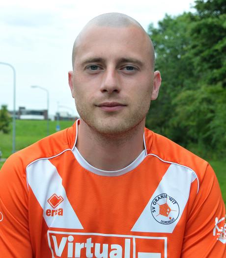 Oud-Oranje Witter Julian van Houselt (33) stopt na dit seizoen met voetballen