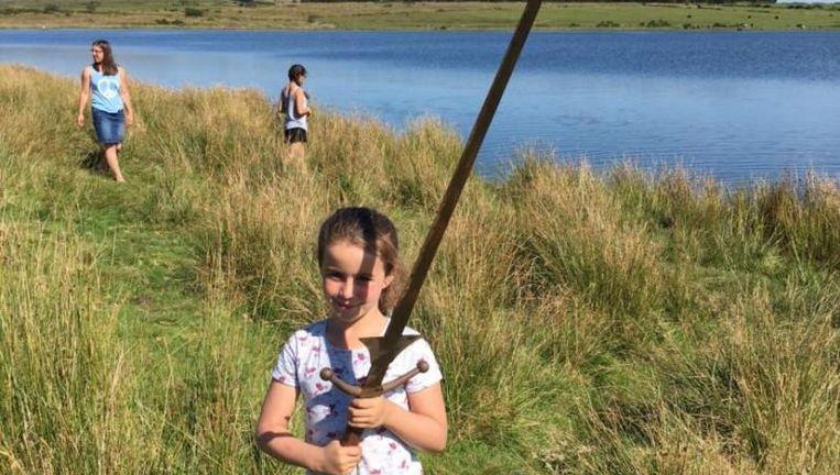 Volgens de legende zou dit zomaar hét zwaard Excalibur van koning Arthur kunnen zijn én zou Matilda dus de nieuwe koningin van Engeland worden.