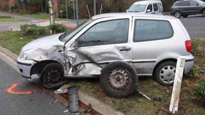 Bestuurster gewond bij zware aanrijding op Brakelsesteenweg
