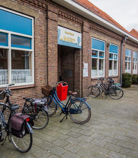 Buurthuis De Wierd in Waalwijk maakt plaats voor parkeerplekken en groen