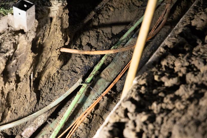 Ondergrondse stroomkabels. Foto ter illustratie.