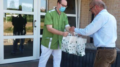 Rotary Linter-Getedal deelt pleisters uit  aan zorgend personeel