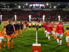 Oranje Leeuwinnen oefenen in Breda tegen België