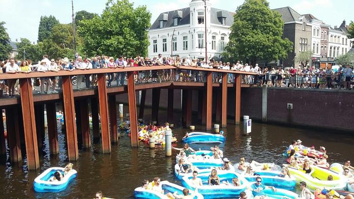 Er staan ook weer aardig wat stuurlui aan wal bij Breda Drijft.